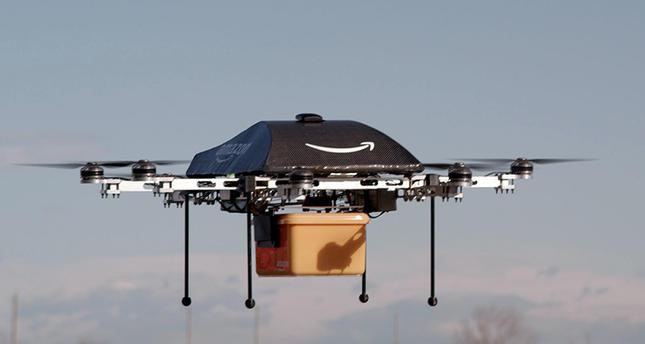 Amazon будет доставлять товары дронами сдирижаблей