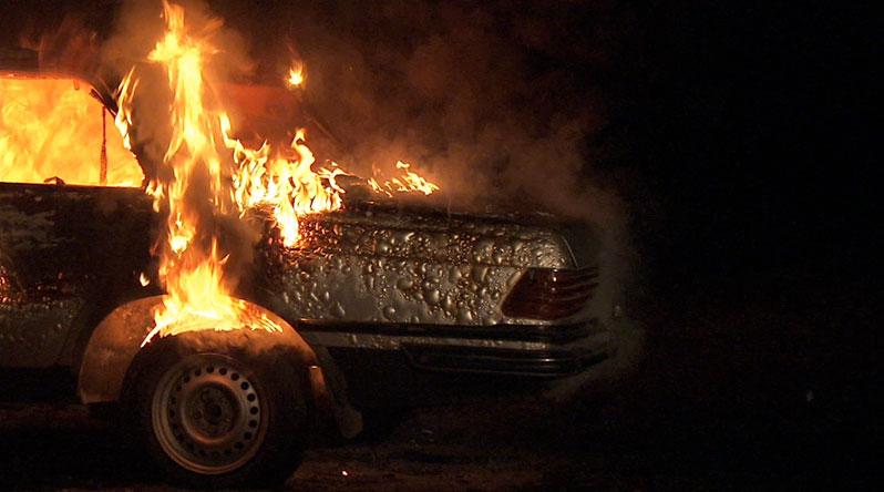 ВКузбассе два автомобиля вспыхнули в собственных гаражах