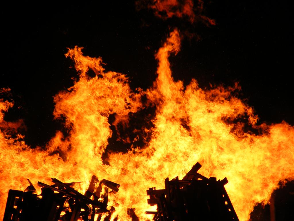 ВРостове произошел пожар вмногоэтажке наСоветской