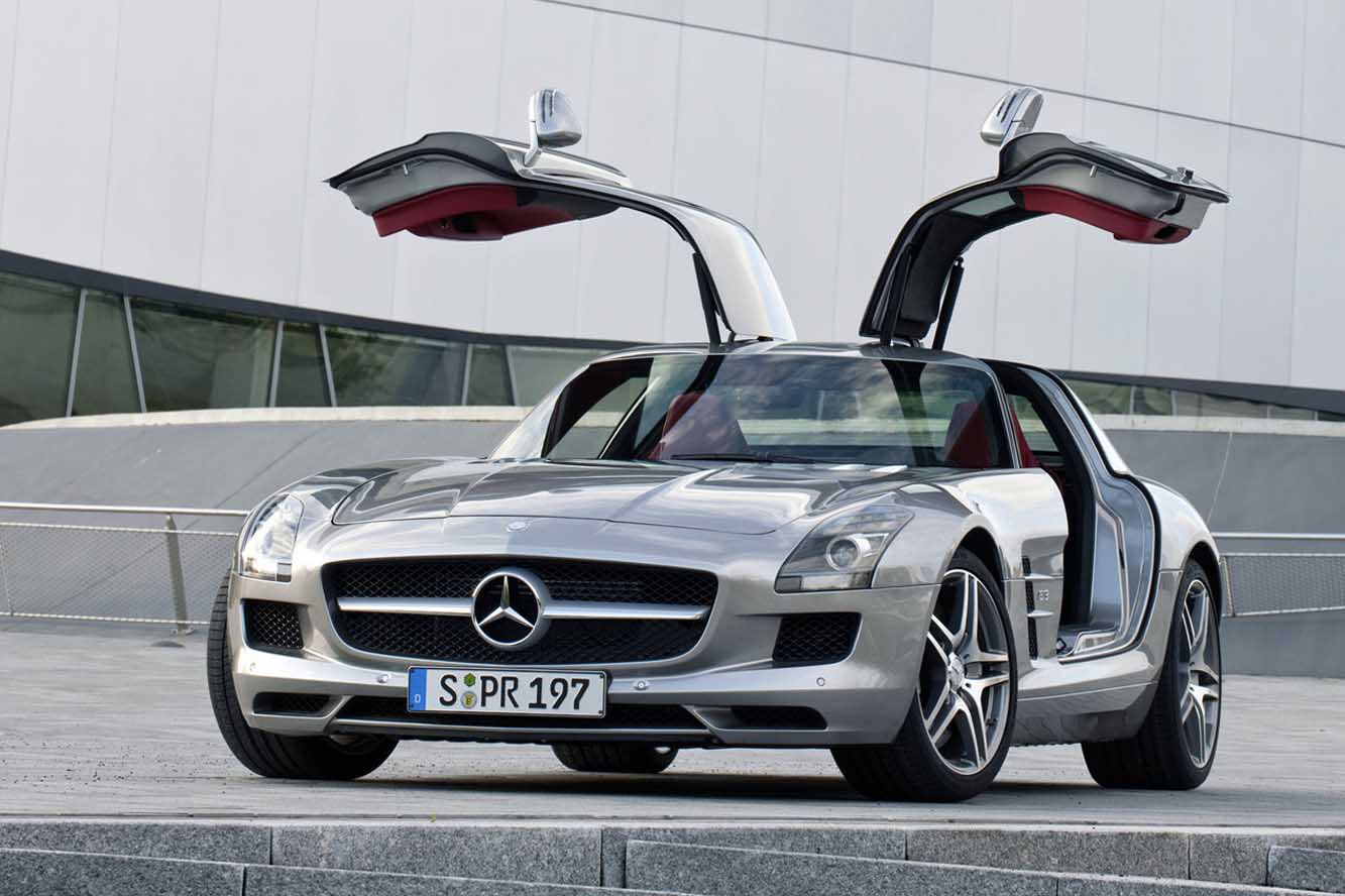 Купе Mercedes АMG обновленного поколения опубликовали наснимках вweb-сети