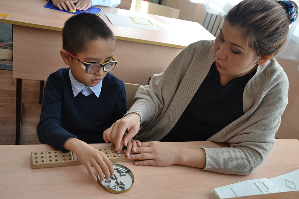 ВИндии создана уникальная читающая машина для слабовидящих людей