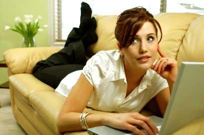 Почти треть девушек ищет в Интернете случайные связи
