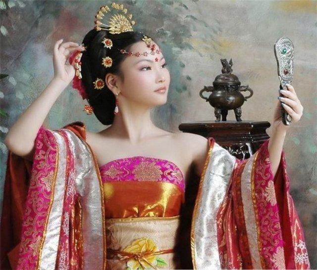 Ученые определили время изготовления первого шелка в КНР
