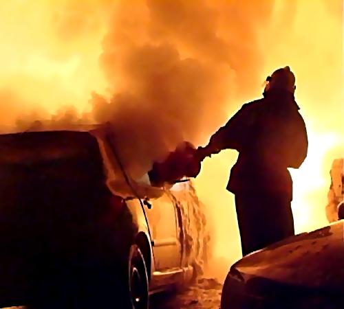 НаБудапештской улице тушили автомобиль «Опель»