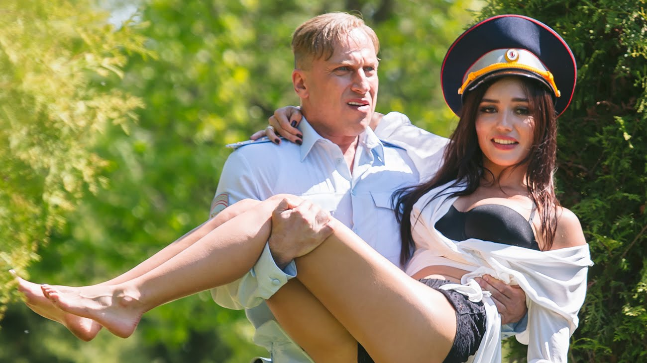 Посмотреть русскою коледію 3 фотография