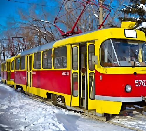 ВВолгограде малолетние хулиганы обстреляли вагон трамвая