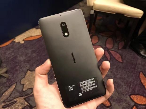 Нановый смартфон от нокиа засутки поступило четверть млн. заказов