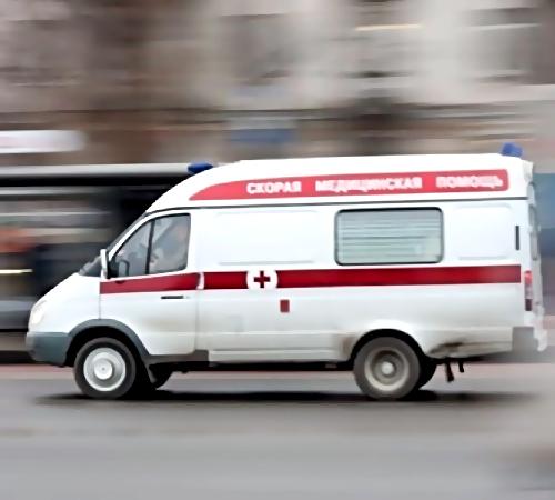 Легковушка наехала натроих пешеходов уметро Полежаевская