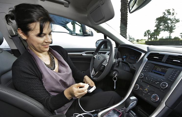 В США могут запретить разговаривать в автомобиле по телефону во время движения