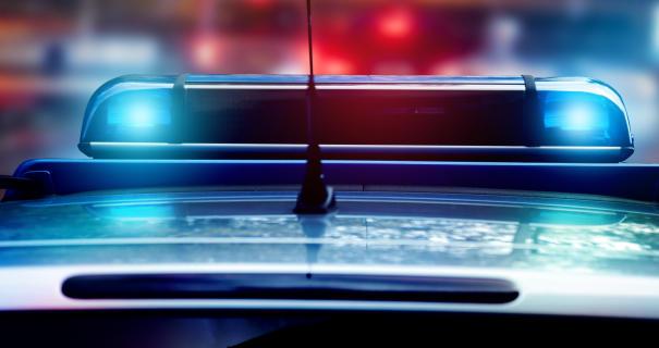 ВЧереповце насветофоре столкнулись три машины, пострадала девушка