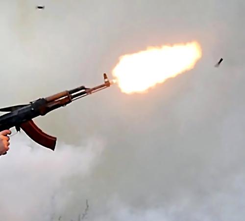 ВКалуге мужчина вышел набалкон иустроил стрельбу изавтомата