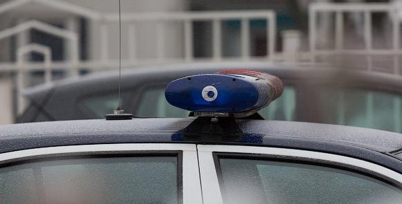 Mercedes влетел ночью вдерево наюге Волгограда: пострадала 23-летняя девушка