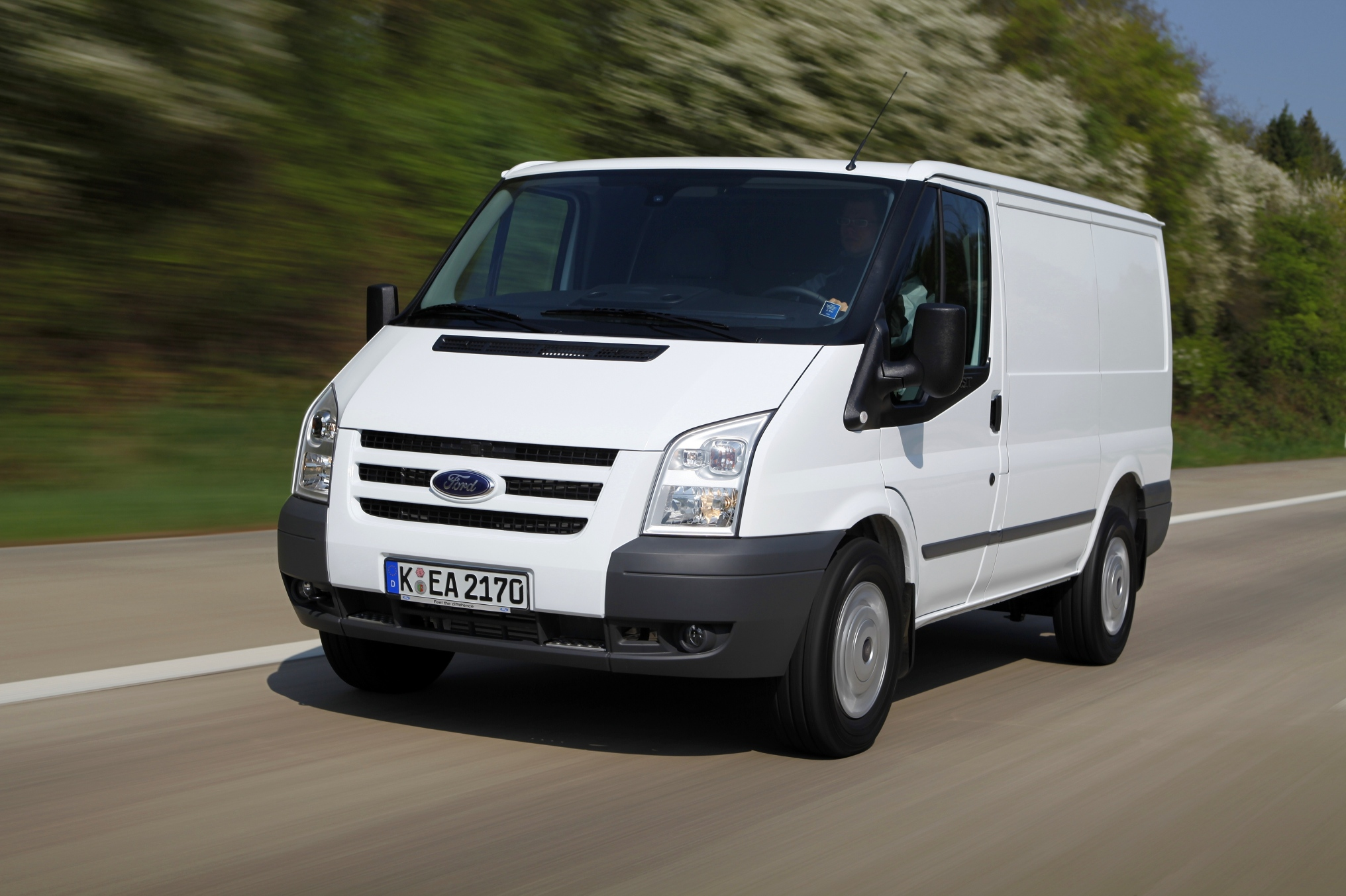 Ford Transit стал лучшим по продажам в сегменте LCV среди иномарок