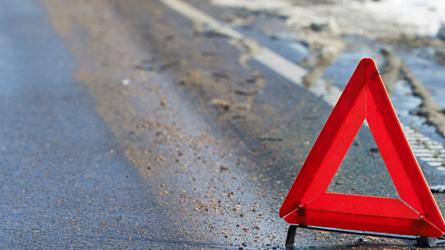 Три человека погибли вДТП из-за грузового автомобиля сотключенными фонарями