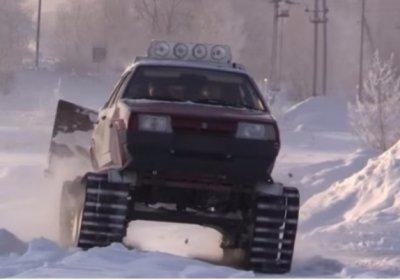 Омич собрал гусеничный танк из Лада Samara