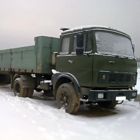 Грузовой автомобиль с сплавом бесследно пропал подороге изПетербурга вЧереповец