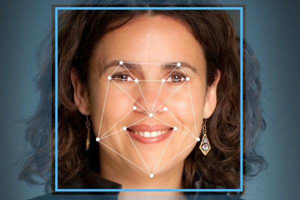 Google выпустит смартфоны сфункцией распознавания лица