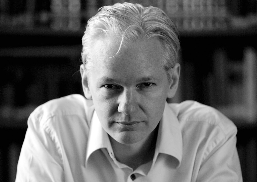 Источники WikiLeaks несвязаны с«русскими хакерами»— Ассанж
