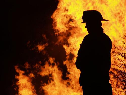 Ужасный пожар заВолгой: погибли бабушка ивнук, девочка вреанимации