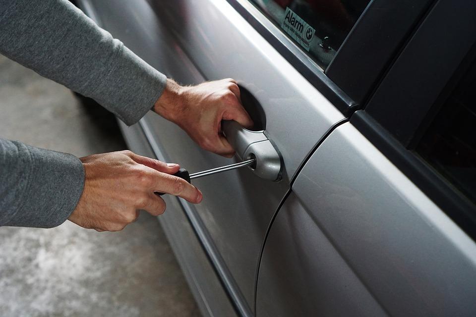 Эксперты Системы запуска двигателя с кнопки повышают риск угона автомобилей