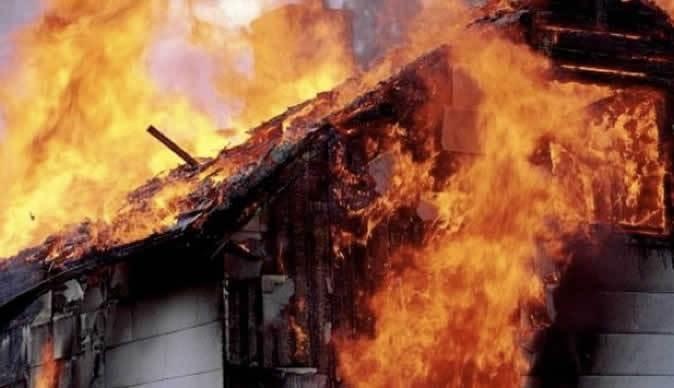 Складское помещение загорелось наСоветской улице в столице