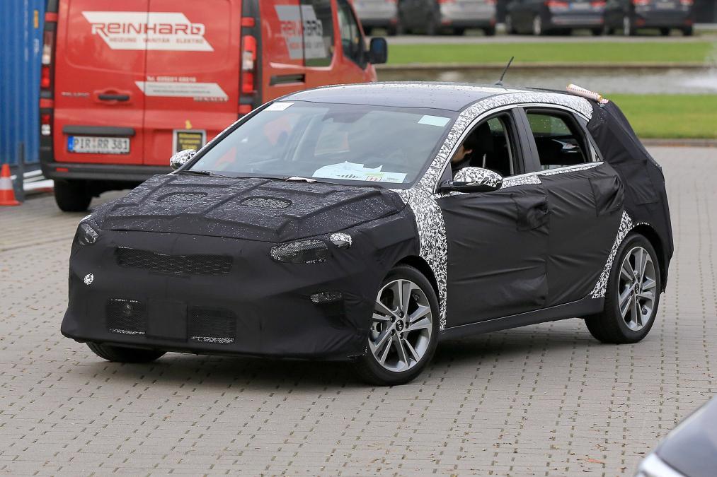 Киа объявила цены икомплектации нового хэтчбека Ceed 2017 модельного года