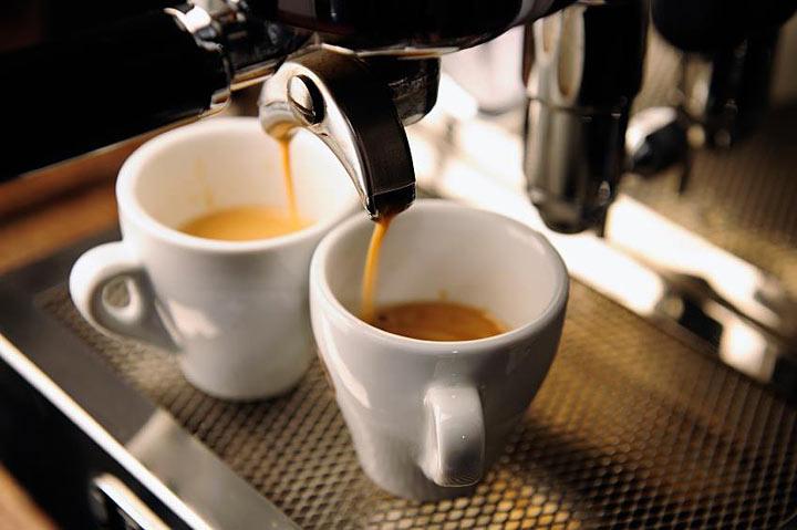 Ученые объяснили вред кофе для женского организма