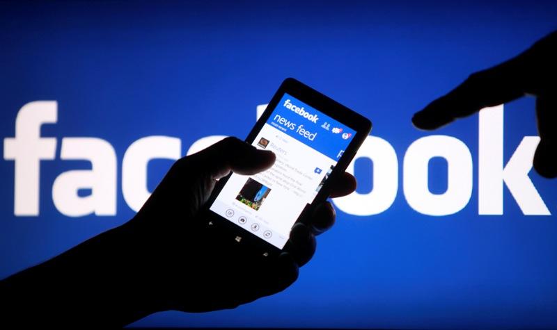 Ученые: упользователей социальная сеть Facebook время «замедляется»