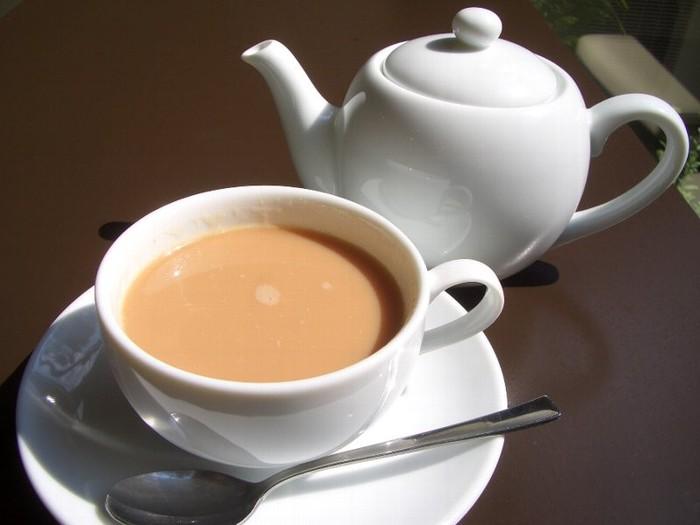 Микс чая и молока может навредить здоровью – ученые