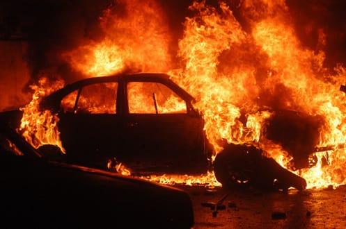 ВАксае такси спассажирами загорелось после ДТП