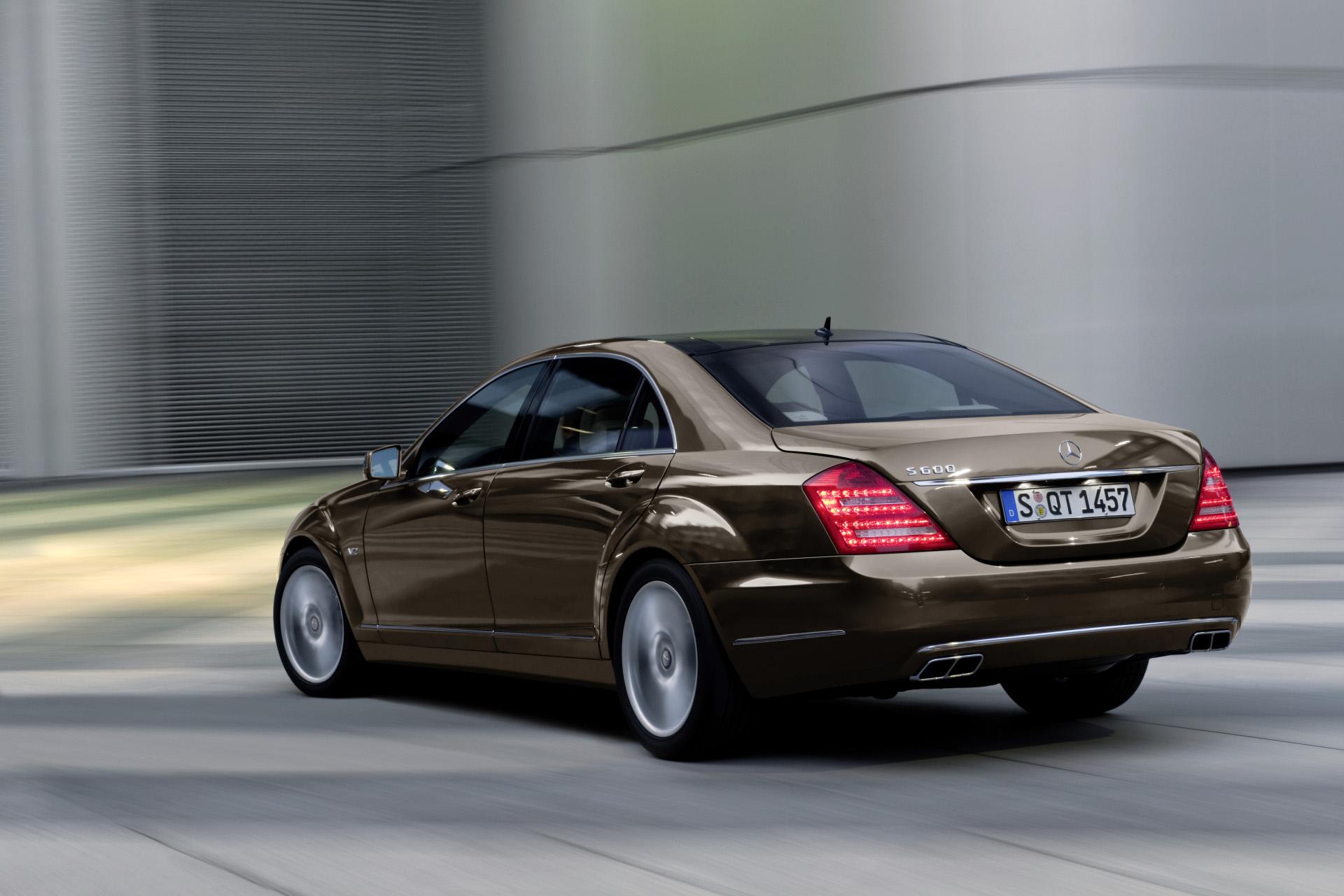 Российские автолюбители заплатили за люксовые авто 2 08 миллиардов рублей в январе