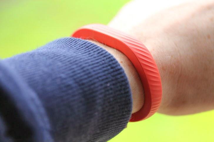 Американский ученый: фитнес-браслеты могут быть небезопасны для здоровья