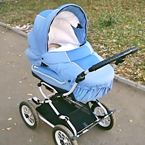 Жительница Петербурга сообщила вполицию опохищении коляски с малышом