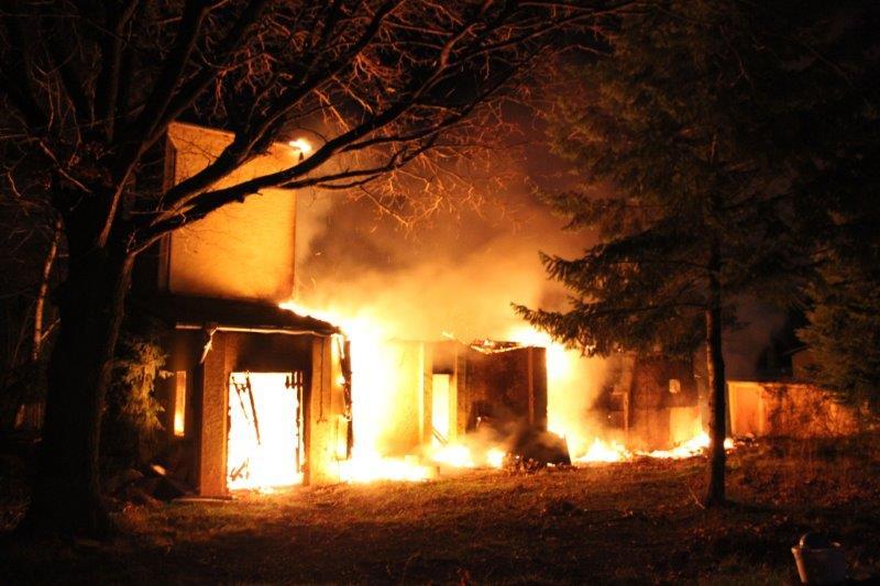ВКалининграде сгорел гараж синомаркой