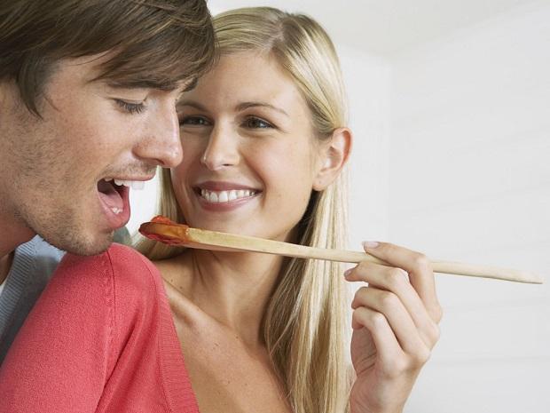 Ученые: Стресс одного партнера приводит к избыточному весу удругого