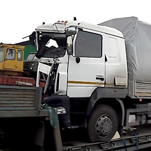 Всмертельном ДТП врайоне «Усть-Луги» умер шофёр фургона