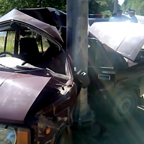 Свидетели: 18-летний шофёр на«семерке» врезался встолб