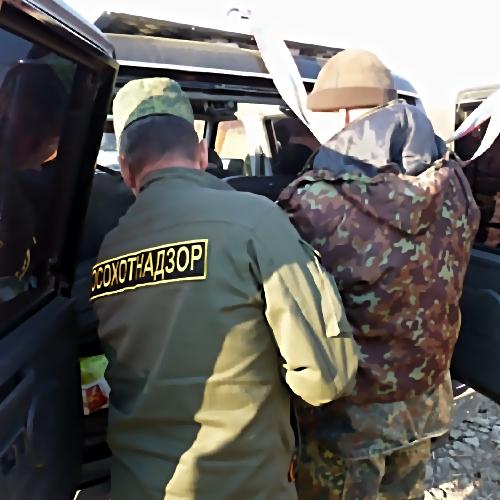 Приморские полицейские расследуют дело браконьера наснегоходе