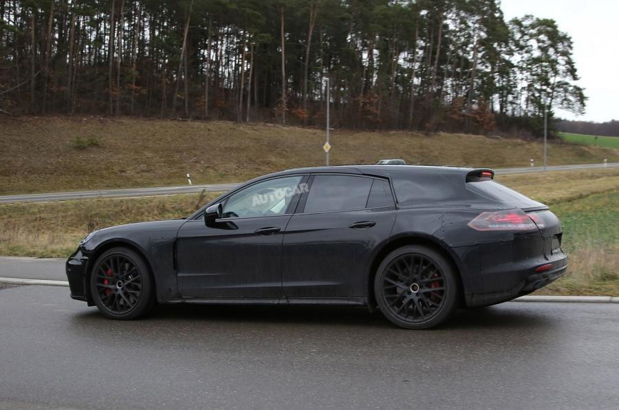 Porsche вывел на тесты новый универсал Panamera