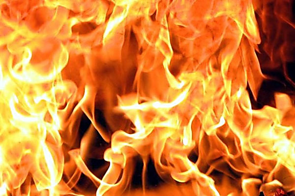 Три человека были спасены напожаре вНефтеюганске