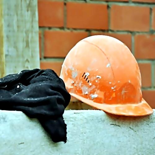 ВоВладивостоке впроцессе сноса здания пострадали два человека