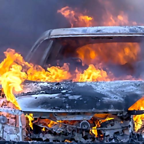 ВКазани автомобиль взорвался подороге ваэропорт