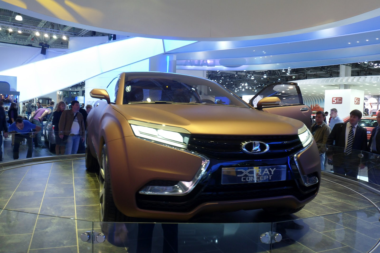Русский  рынок автомобилей  порезультатам  февраля стал 4-м  вевропейских странах