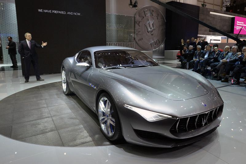 ВЖеневе показали порядка 150 новых машин