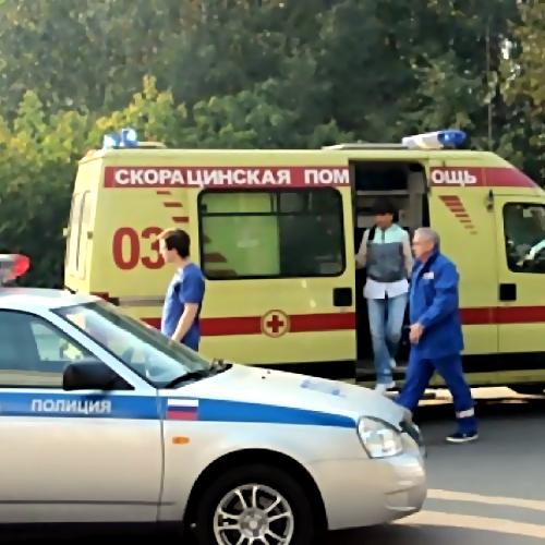 ВОмске коллекторы непускали должницу вмашину скорой помощи