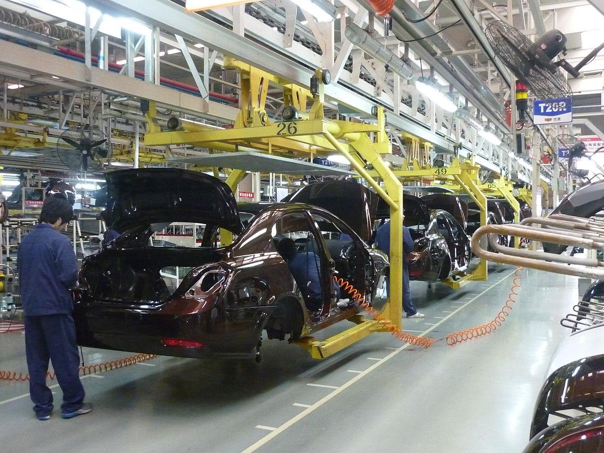 Выпуск легковых авто в РФ задва месяца вырос на27,5%