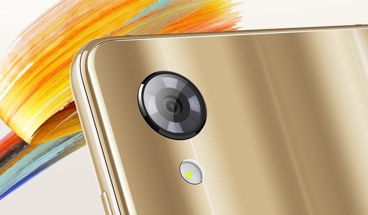 Sharp представила своеобразный смартфон Aquos S3 Мини