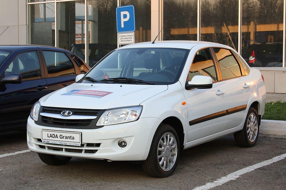 Русский «АвтоВАЗ» наращивает сборку седанов Лада Granta вЕгипте