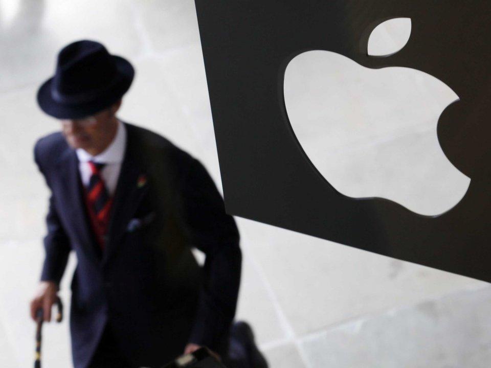 Хакеры предложили помощь минюсту США во взломе iPhone террориста