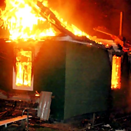Пьяная жительница Прокопьевского района сожгла дом соседке измести